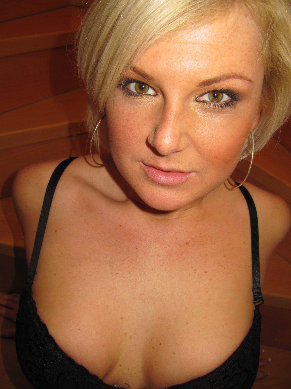 Hot sexy naked girl fucking xxx porn